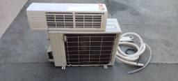 Ar condicionado pouco usado em perfeito estado.