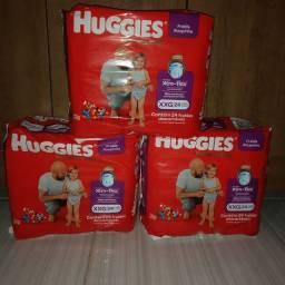3 pacotes de fralda roupinha huggies XXG