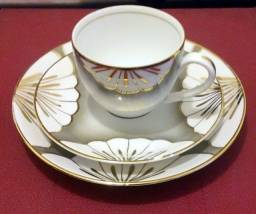 Porcelana De Chá Com 6 Peças Filetes Em Ouro / Porcelanarte