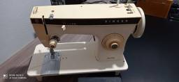 Título do anúncio: maquina de costura singer 1 ano garantia