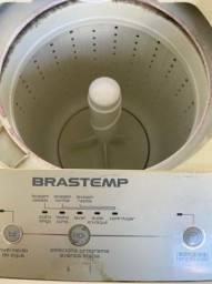 Máquina de lavar brastemp antiga,porém nunca quebrou funciona normalmente.