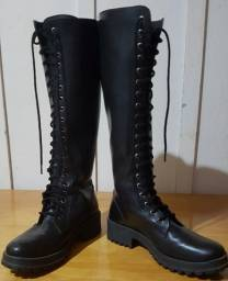 Título do anúncio: Vendo bota preta coturno