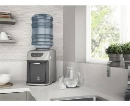 Bebedouro de Água cor Prata Com Compressor Electrolux (BC21X)