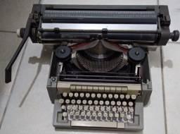 Máquina de Escrever Funcionando Perfeitamente