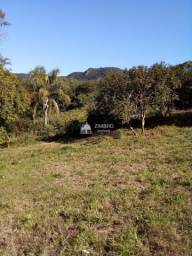 Linda Área Rural para lazer, medindo 40 metros de frente por 110 mts de fundos. Localizada