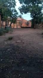 Título do anúncio: Vendo terreno com um peça e banheiro inacabados