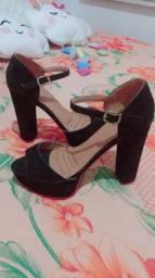 Vendo 2 calçados
