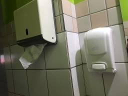 Dispenser para papel toalha e sabonete líquido