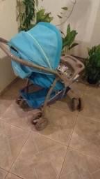Carrinho de bebê masculino azul