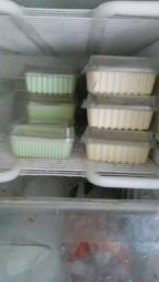 Faço bolos , sorvete caseiro ,torta de sorvete,bolo no pote , por encomenda