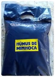 Húmus de minhoca - adubo orgânico