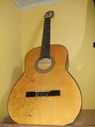 Vilão autografado pelo Luan Santana