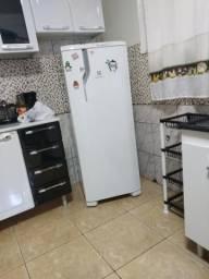 Geladeira e microondas electrolux