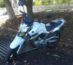Yamaha Fazer YS250 Branca 2014