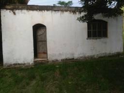 Casa 3 quartos e área externa enorme