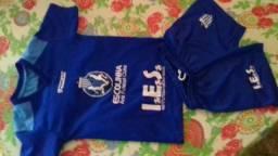 Vende-se uniforme de futebol