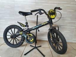Bicicleta infantil aro 12 Batman caloi