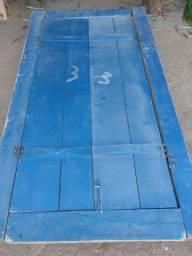 Portas e janelas completas de madeira de demolição