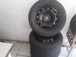 Roda aro 15 c/pneus.usados