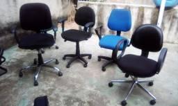 Cadeiras de escritório com braços 150 reais cada uma