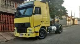 Título do anúncio: Caminhão FH globetrotter .D-12 - volvo 380. Ano 2000