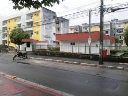 Apartamento com 2 dormitórios para alugar, 60 m² por R$ 1.300,00/mês - Cordeiro - Recife/P