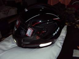 capacete 64 x11 nunca usado