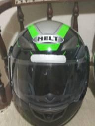 2 capacetes semi novos helt