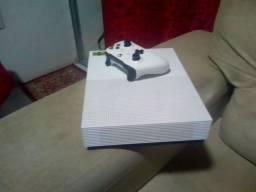 Xbox One Slim Semi novo com jogos e Controle
