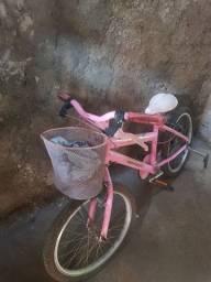 Bicicleta rosa para criança