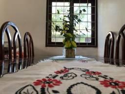 Conjunto mesa de jantar e rack