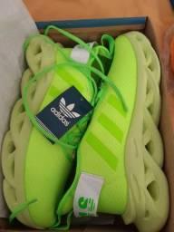 Tênis Adidas maverick Verde na caixa