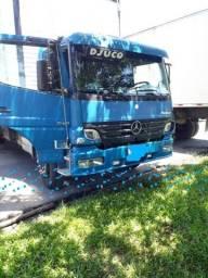 Caminhão 1518 baú