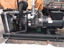 GERADOR DE ENERGIA STEMAC 180 KVA MOTOR MWM