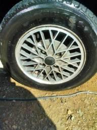 Roda aro 13 com pneu original do verona