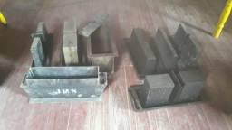 Formas e canaletas de fazer blocos