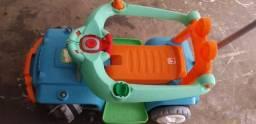 Carrinho + cadeirinha infantil bem conservado R$200,00