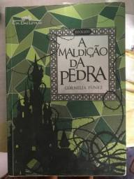 Livro A Maldiçao da Pedra