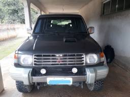 Vende-se Caminhonete 4x4 Pagero Full Diesel 1995