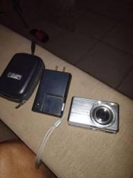 Câmera Sony Cyber shot 7.2 MP com cartão de memória 1gb