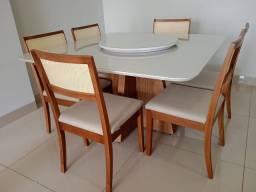 Título do anúncio: Mesa de jantar quadrada de madeira e acabamento laka
