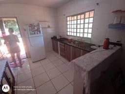 Casa com barracao a venda