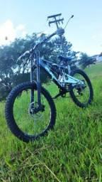 bicicleta de Downhill Astro