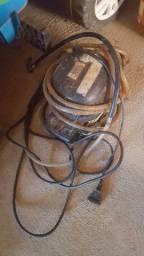 Máquina de encher pneus.