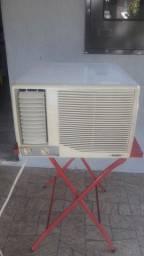AR Condicionado de Gaveta 7500 Btu, Quente e Frio! Leia o Anúncio!