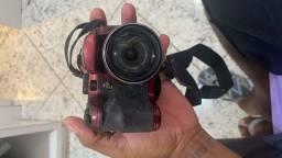 Vendo uma câmera fotográfica
