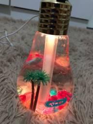 Luminária e umidificador de lâmpadas