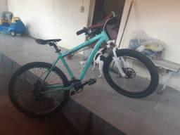 Bike aro 26 , freio hidráulico com peças Shimano