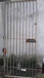Vendo esse portão de ferro