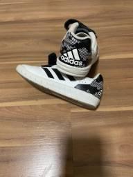 Tênis Adidas 26